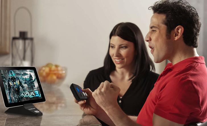 Gameloft präsentiert Duo Gamer Controller für iPad und iPhone