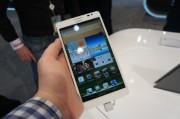 Huawei Ascend Mate Größe in der Hand