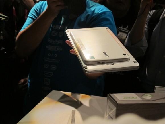 Acer Iconia W3 Tablet mit Windows 8