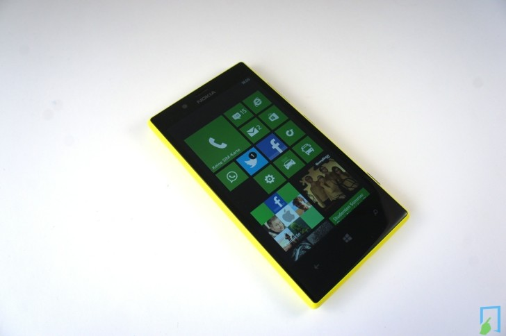 Nokia Lumia 720 Display