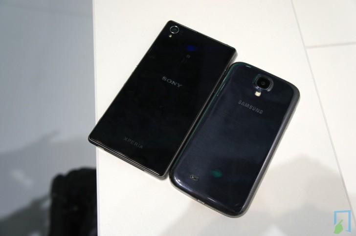Xperia Z1 Galaxy S4