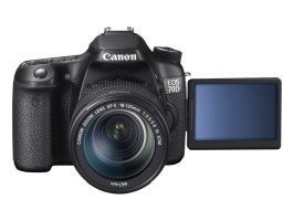 EOS 70D FRA VARI ANGLE MONITOR OPEN w EF-S 18-135mm IS STM